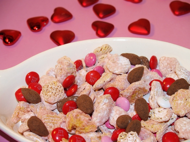 Strawberry Cheesecake Puppy Chow with Dark Chocolate Accent